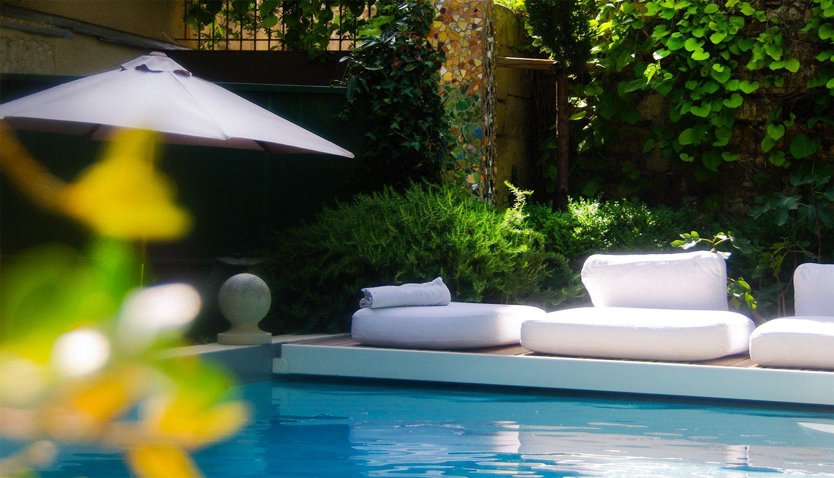 Les Jardins De Baracane Chambres D Hotes De Charme A Avignon En